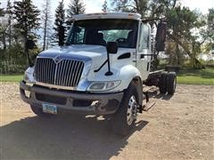 2008 International 4300 S/A Cab & Chassis