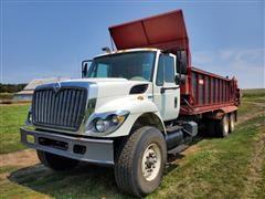 2008 International 7400 SBA T/A Manure Spreader Truck