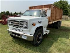 1981 GMC Sierra C7000 T/A Grain Truck