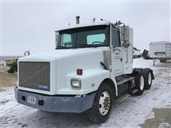 1995 White GMC WG64T T/A Truck Tractor
