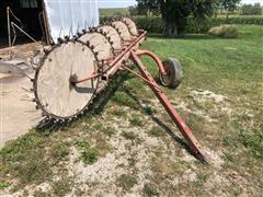 Farmhand 5-Wheel Rake
