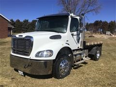 2005 Freightliner Business Class M2-112 S/A Flatbed Truck
