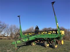 "John Deere 7200 MaxEmerge 2 6R30"" Pull Type Planter"