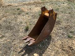 """CP 12"""" Wide Backhoe Bucket"""