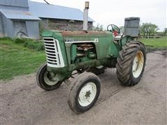 1961 Oliver 770 2WD Tractor