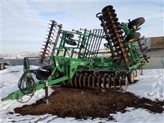 John Deere 726 Field Finisher