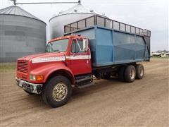 1992 International 4900 T/A Grain/Silage Truck W/20' Box