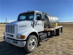 2003 International 8100 S/A Tender Truck