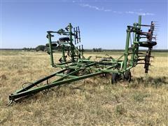 John Deere E1600 Field Cultivator