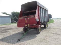 Gehl 970 6 Wheel Silage Wagon
