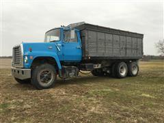 1979 Ford LT8000 T/A Grain Truck