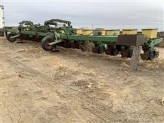 """John Deere 7100 20R30"""" Planter"""