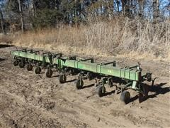 John Deere 8R30 3-Pt Cultivator