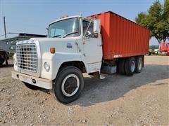 1981 Ford LN700 T/A Grain Truck