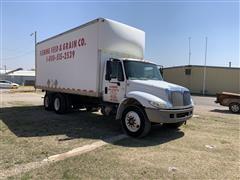 2006 International 4400 T/A Dry Box Truck
