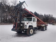 1985 International S-1900 T/A Big Square Bale Stacker Truck