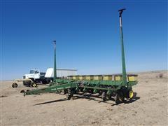 John Deere 7000 8R30 Pull-Type Planter