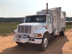 2002 International 4900 S/A Garbage Truck