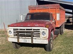 1979 Ford F700 S/A Grain Truck