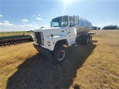1974 Ford LT880 T/A Tanker Truck
