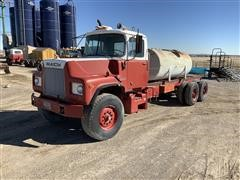 1974 Mack DM685S T/A Water Truck