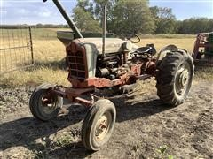 Ford 901 2WD Tractor