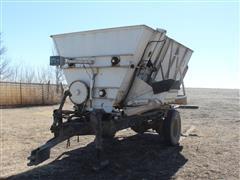Harsh 300 Pull Type Feed Mixer Wagon