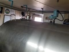 Mueller 1500 Gal Stainless Steel Tank