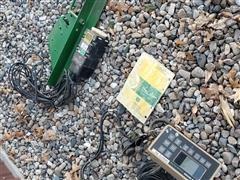 John Deere 250 Planter Monitor W/Radar & Mounting Bracket For Planter