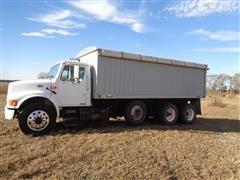 2001 International 4900 Tri/A Grain Truck
