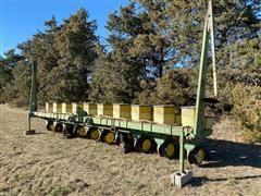 John Deere 7100 10R30 Planter