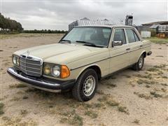 1983 Mercedes 300 V Car