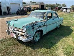 1954 Ford 4 Door Sedan