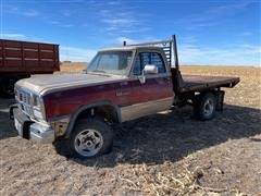 1992 Dodge RAM 250 4x4 Flatbed Pickup (INOPERABLE)