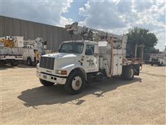 1995 International 4900 S/A Digger Derrick Truck