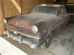 1953 Ford Coupe (Inoperable)