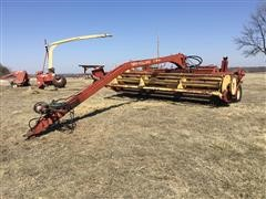 New Holland 116 Windrower