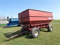 M&W 400 Little Red Wagon Grain Cart