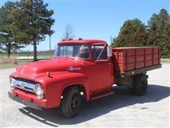 1956 Ford F350 Grain Truck