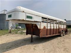1980 Hart T/A Livestock Trailer