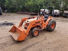 Kubota B2150 MFWD Compact Utility Tractor W/Loader