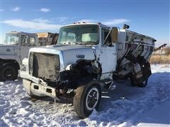1990 Ford L7000 S/A Mixer Truck