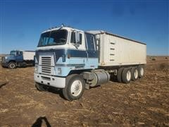 1980 International TranStar 2 4070B Tri/A Grain Truck