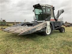New Idea 803C Uni-Harvester W/6514 Corn Head