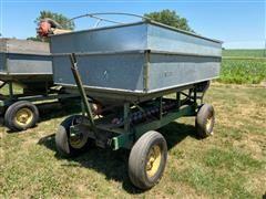 John Deere Gravity Wagon W/Auger