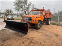 1992 Ford F700 Dump Truck W/plow