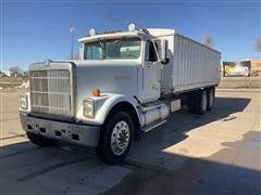 1985 International 9300 T/A Grain Truck