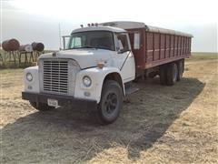 1968 International 1700 T/A Grain Truck
