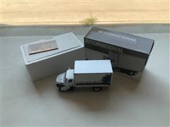 International 4400 First Gear 1:34 High Performance Box Truck