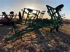 John Deere 980 High Residue Field Cultivator